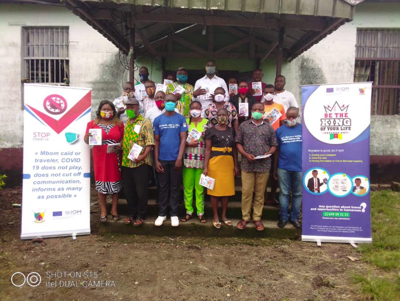 3255 personnes dans 56 communautés sensibilisées sur l'appui social à porter aux personnes infectées par la COVID 19.